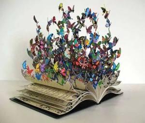 Toda gran obra literaria nos propone la salvación mínima de la palabra.    Toda gran obra literaria nos propone imaginar. Tenemos un pasado que debemos recordar. Tenemos un porvenir que podemos desear.                                                                                             Carlos Fuentes