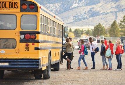 news-mhs-bomb-threat-students-getting-on-evac-buses-robert