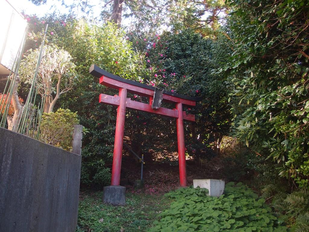 稲荷社(横浜市鶴見区獅子ケ谷)