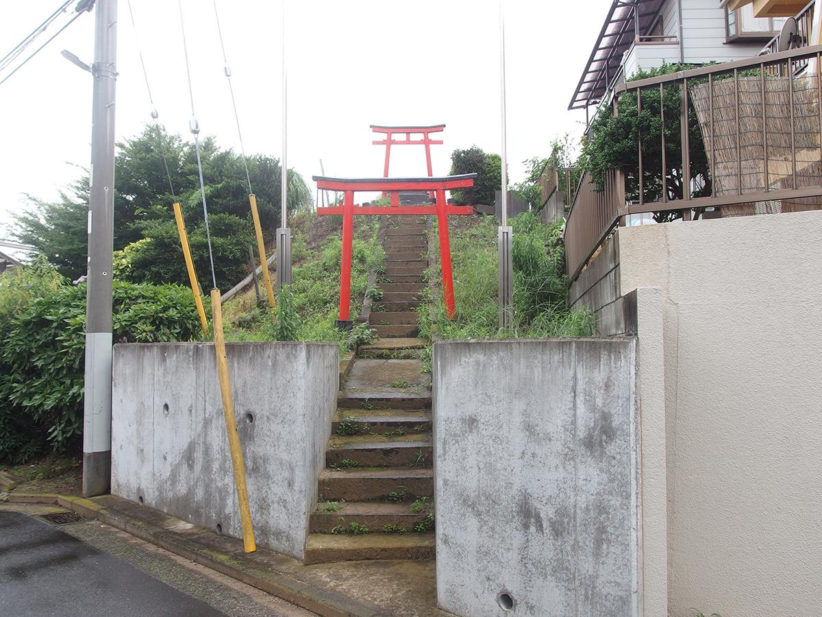 稲荷神社(横浜市緑区鴨居5-8-16)写真