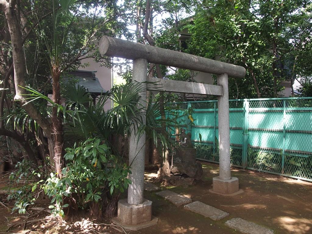 稲荷神社(渋谷区笹塚1)