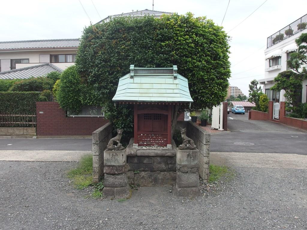 稲荷神社(横浜市中区西竹之丸56)
