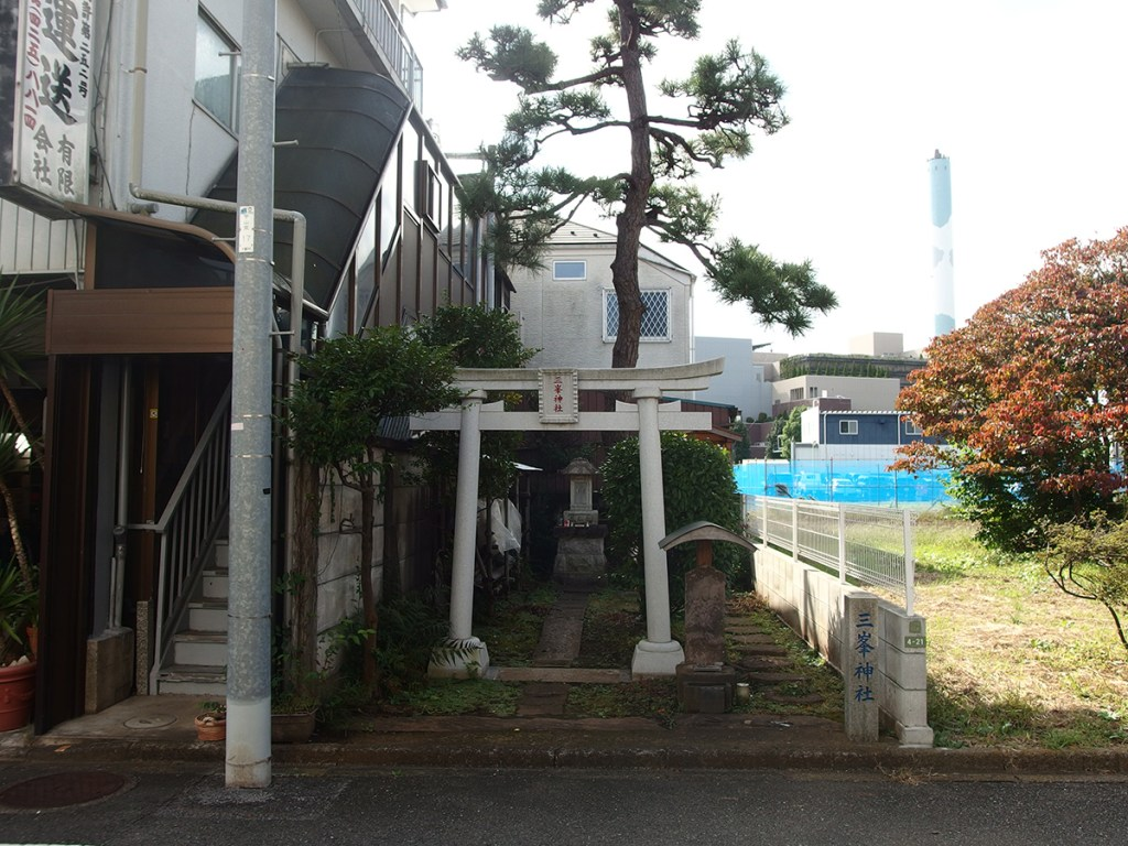 三峯神社(世田谷区上用賀)
