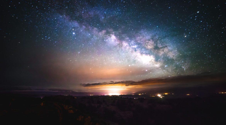 Univers poussières d'étoiles humains