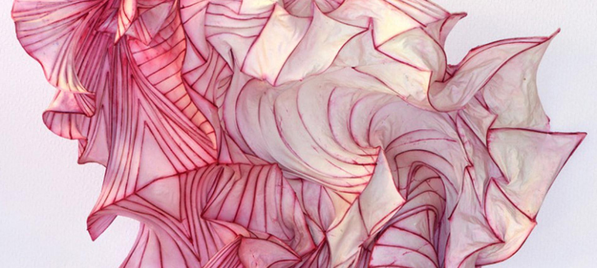 Les oniriques sculptures de papier de Peter Gentenaar