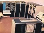 PDP-10 (1967): Ο διάδοχος του PDP-6 ήταν δύο φορές ταχύτερος και στο 1/3 του κόστους του προκατόχου του. Αποδείχτηκε ικανότατος για εφαρμογές χρονομερισμού και πολυπεξεργασία. Αρχική τιμή: 110.000 δολ. Πωλήσεις: ~700