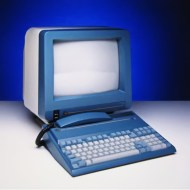"Microbee Delta - Το τελευταίο μοντέλο της Microbee (μετεξέλιξη του 256TC) παρέμεινε στη φάση του προσχεδίου, καθώς το 1988 η εταιρεία ""κατέρρευσε""."