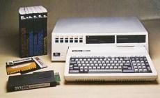 Με το PC Pack, η Spectravideo επιχειρούσε να αναβαθμίσει τον SV-328 σε έναν επαγγελματικό υπολογιστή. Γι' αυτό ο SVI-605 Super Expander ενσωμάτωνε δύο FDD των 5,25'' και συνοδευόταν από εξωτερική κάρτα 80 στηλών και λειτουργικό σύστημα CP/M.
