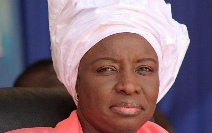Dernière minute : Macky Sall limoge Mimi Touré