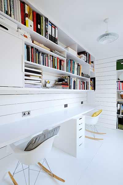 Delight work desk decoration ideas #Deskideas #Smallofficeideas #Officedecoratingideas #Homeofficedecor