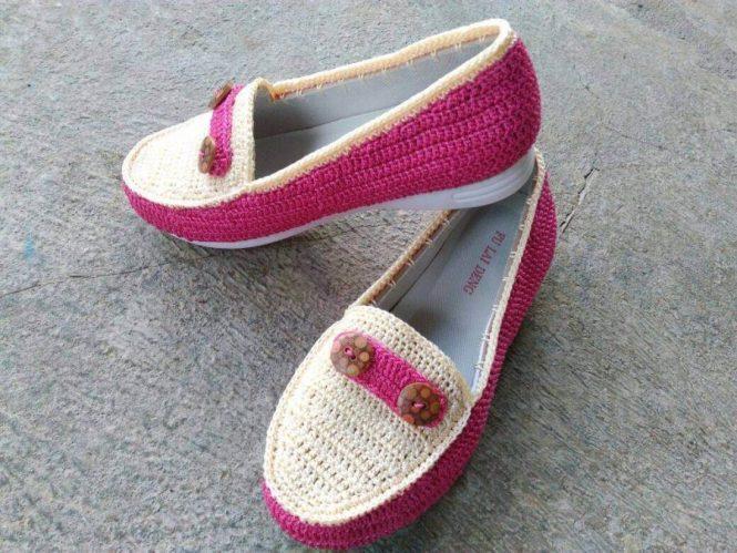 Sepatu tas rajut