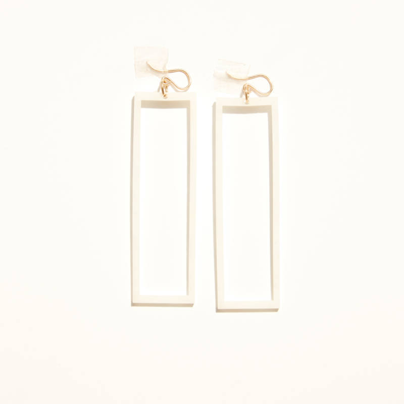 Alexis Drop Earring – Ivory