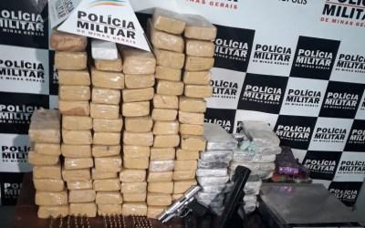 PM apreende 100 kg de maconha e armas em Divinópolis