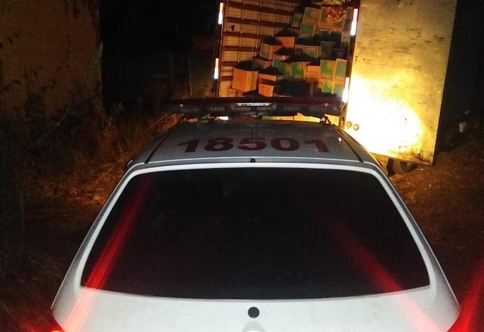 Trio é detido com mais de 900 caixas roubadas