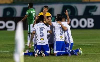 Cruzeiro reage e vence o Guarani em jogo de cinco gols