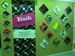 Vinils amb cantants i grups de tots els estils també tenen el seu espai a l'exposició // David Guerrero
