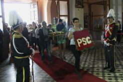 Diversos partits polítics també han participat a l'ofrena floral // David Guerrero