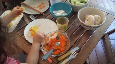 santé environnementale enfants alimentation - à table avec ma fille