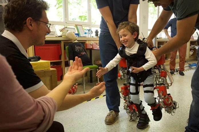 kids-exoskeleton