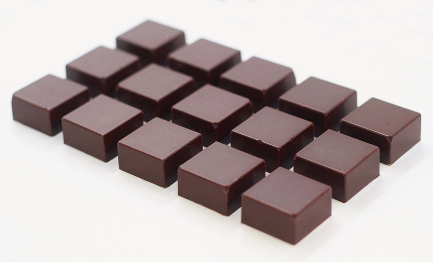 15 individual chocolates. Chocolate Maker