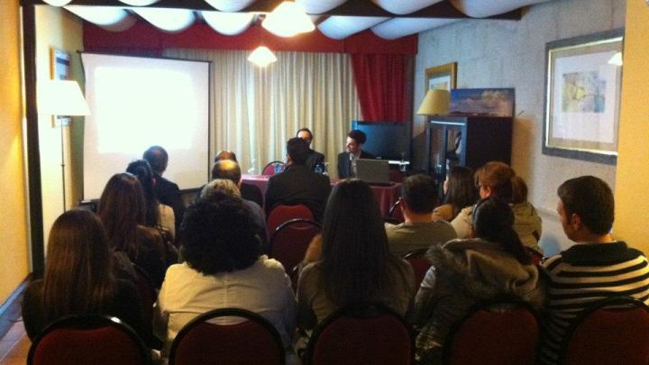 Exito de convocatoria en la presentación de la nueva web informativa de Aeronoticiario SCQ