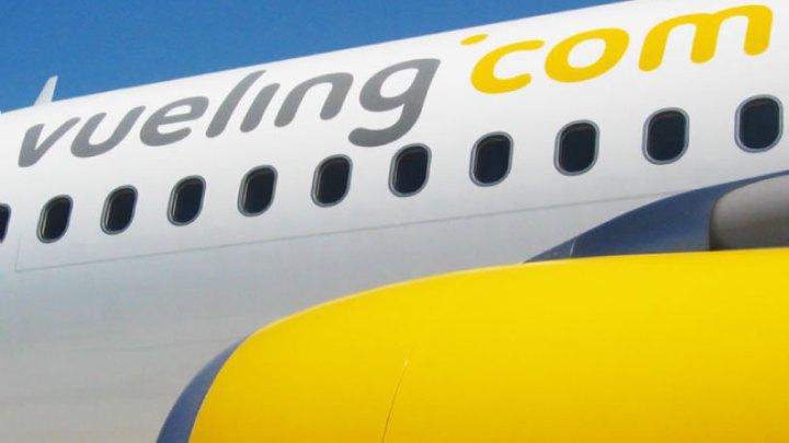 La aerolínea Vueling prepara vuelos especiales para esta Semana Santa desde Santiago de Compostela