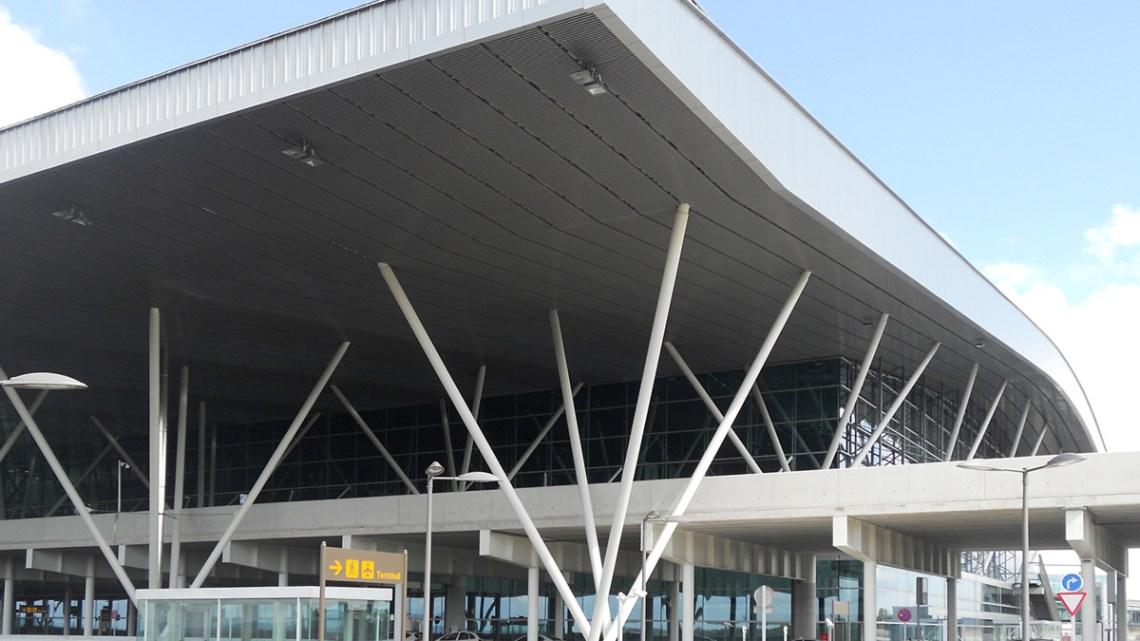 Se constituye en el aeropuerto de Santiago el Comité de Coordinación Aeroportuaria de Galicia