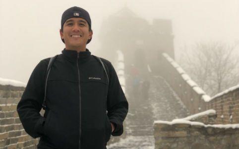 Keystone Habits: Jonathan Santiago at the Great Wall.