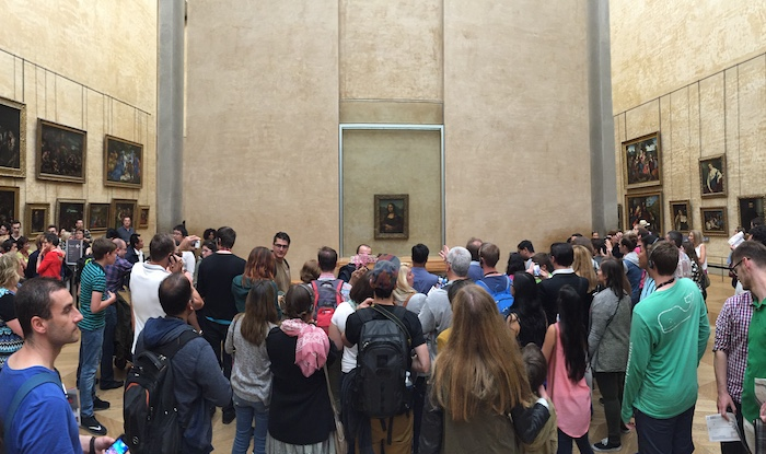 Backpacking Europe: Seeing the Mono Lisa in the Louvre