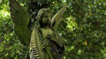 Significado e simbolismo do anjo número 1815