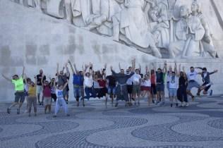 Jovens e frades - padrão dos Descobrimentos, Belém, Lisboa