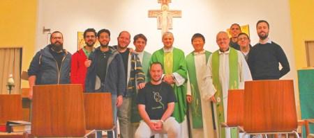Postulantes na comunidade de Brescia, Itália, ano de 2017/2018. Ao centro o Diogo, de Portugal.