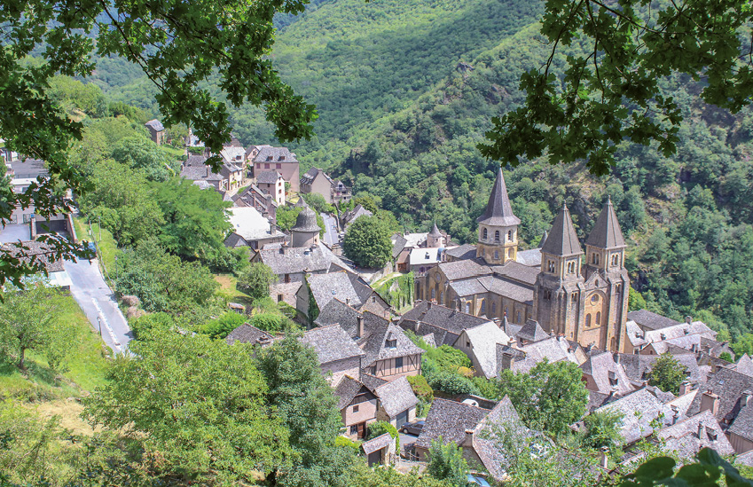A aldeia de Conques e o Mosteiro de Sainte Foy