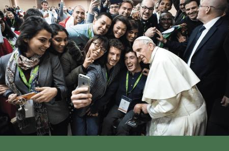 Papa Francisco durante uma reunião pré-sinodal da juventude no Colégio Pontifício Internacional 'Maria Mater Ecclesiae', 19 de março de 2018, em Roma.