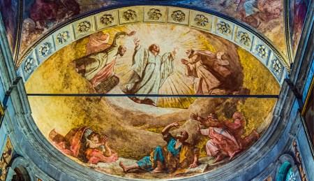 Igreja de San Rocco em Veneza. A transfiguração, teto da abside decorada por Il Pordenone, em 1528. Foto de Didier Descouens, commons.wikimedia.org.