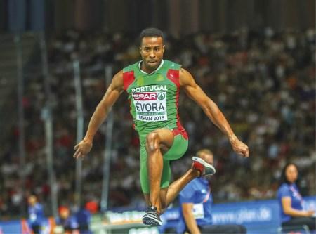 Campeonatos da Europa de Atletismo 2018, em Berlim, Alemanha. Nelson Évora, medalha de ouro no triplo salto. EPA/HAYOUNG JEON