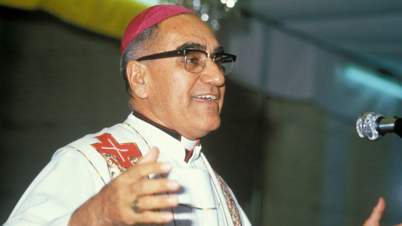 San Salvador: Arcebispo Óscar Romero a pregar. Foto de Gadmer, Bethlehem Mission.