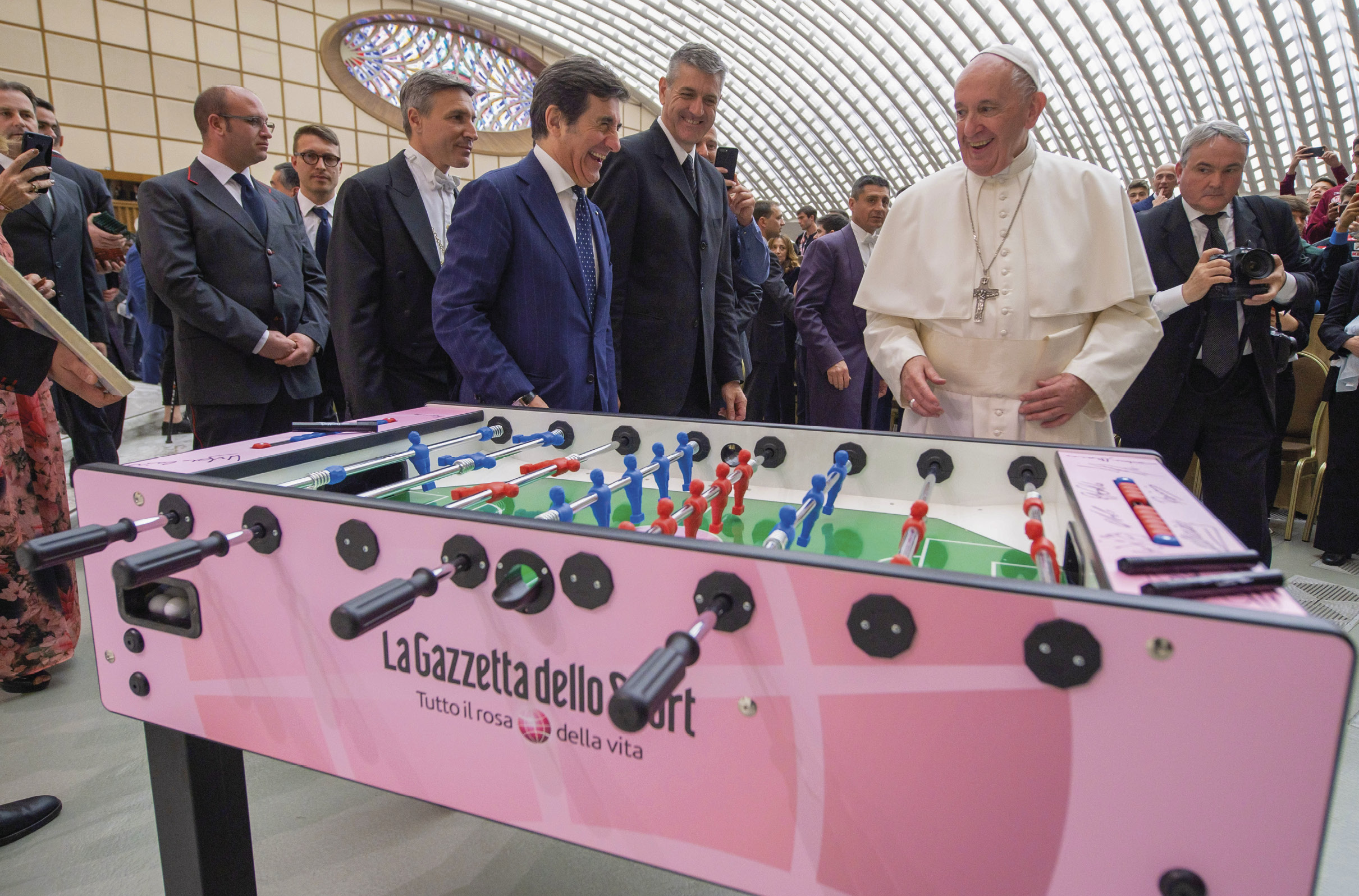 "O futebol que amamos - encontro organizado pelo jornal desportivo ""La Gazzetta dello Sport"", audiência aos participantes. Foto Vatican Media."