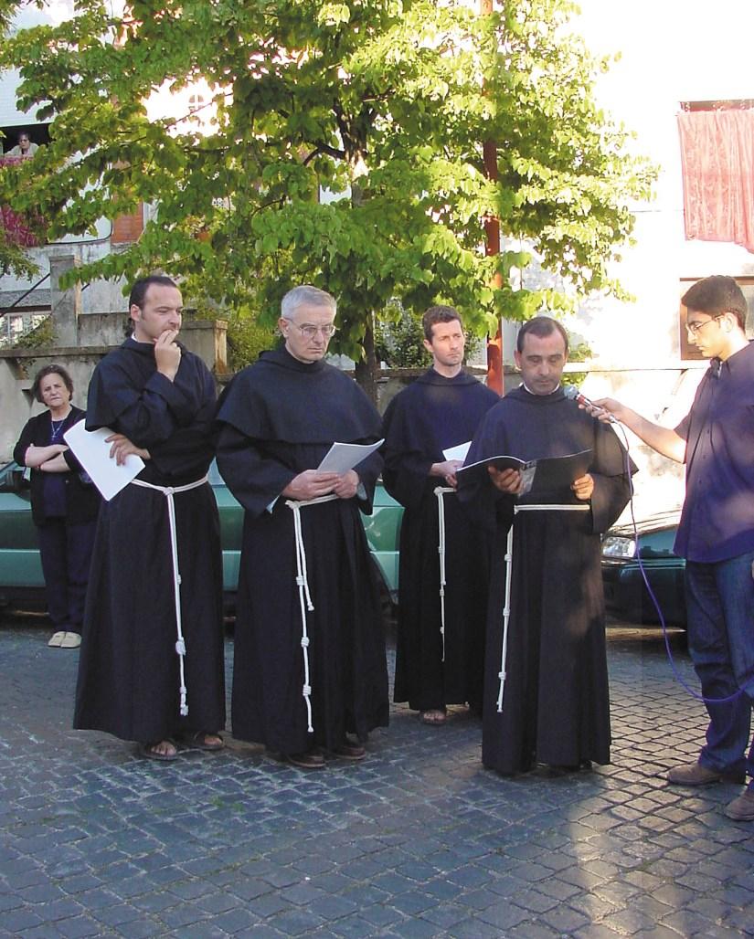 Igreja de Santo António dos Olivais, freis luca, adriano, tiberio, josé augusto, Junho 2002