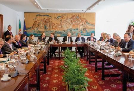 Encontro da Troika com as confederações do comércio e indústria, sindicatos, associações e governo, Lisboa, Portugal, 23 April 2014. PEDRO NUNES/LUSA