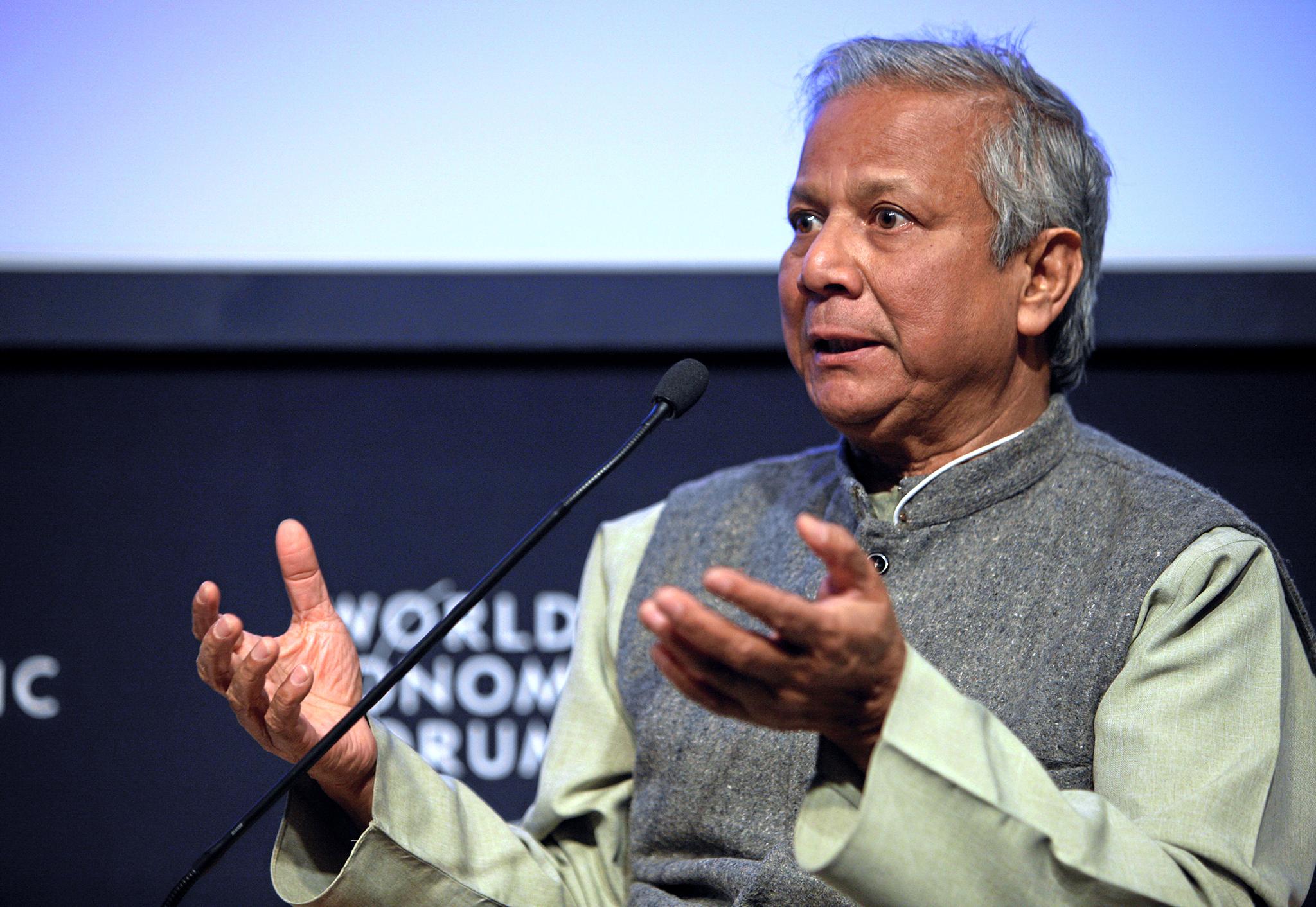 Muhammad Yunus, diretor administrativo do Grameen Bank, Bangladesh, durante a sessão 'Restaurando o crescimento através dos negócios sociais' na Reunião Anual de 2009 do Fórum Económico Mundial em Davos, Suíça.