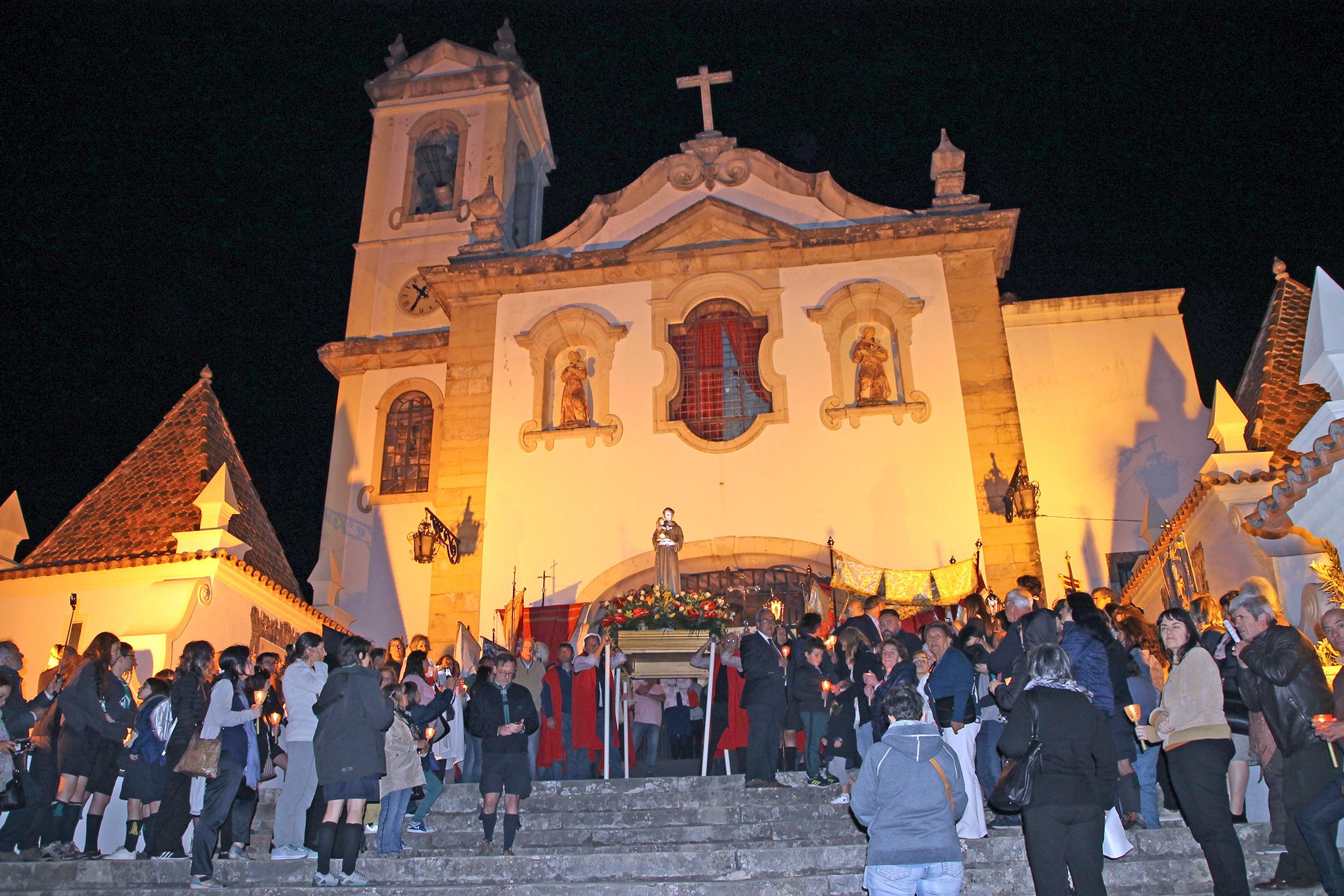 Santo António sai em procissão da Igreja de Santo António dos Olivais, Coimbra, 2019