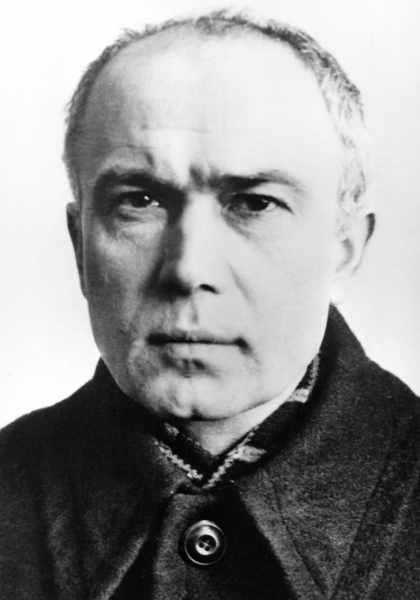 São Maximiliano Maria Kolbe. A última fotografia, tirada em 1940, pela KennKarte (documento de identidade de base utilizado durante o Terceiro Reich)