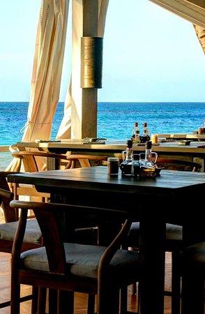 XO Restaurant Ambiance