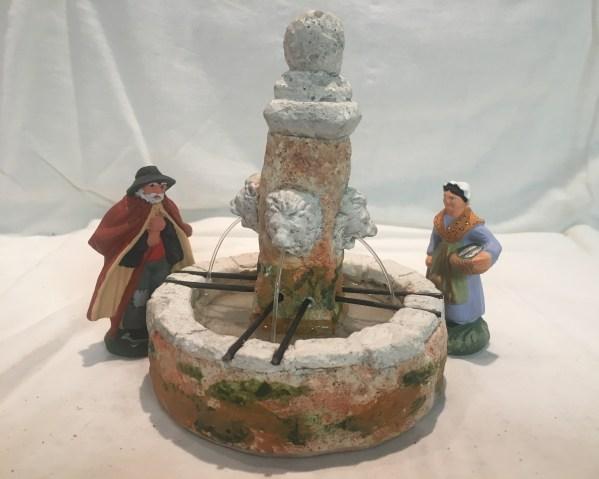 Fontaine lion santons de provence