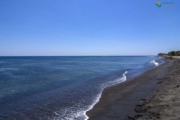 PERIVOLOS-BEACH-SANTORINI-GUIDED-PRIVATE-TOURS