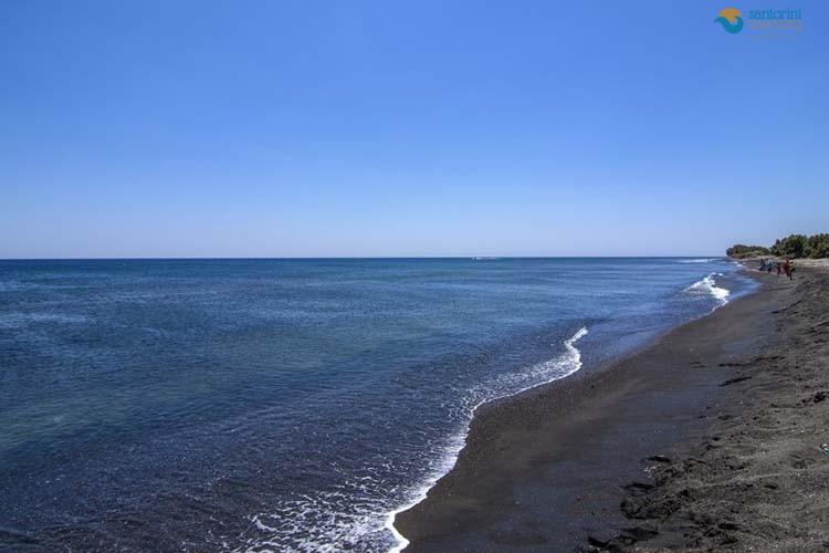 PERIVOLOS-BEACH-SANTORINI-GUIDED-PRIVATE-TOURS