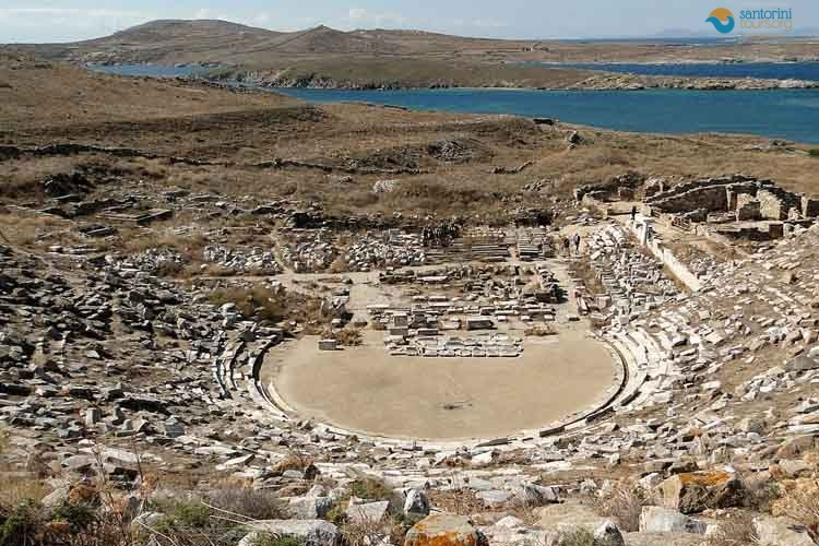 ANCIENT-THIRA-SANTORINI-PRIVATE-GUIDED-TRANSFERS