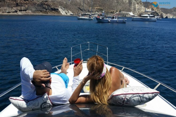 cruise-to-santorini-cyclades-greece-2