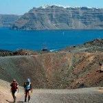 Walk to the volcano of Santorini